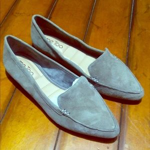 Me too aurora 6.5 slip on suede shoes. Pointed toe